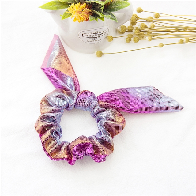 The diameter of the ring is about 8cm, the width of the ring is about 3cm, the length of the ear is about 9cm, and the size of the ear is 18*18cm rainbow rabbit ear hair band