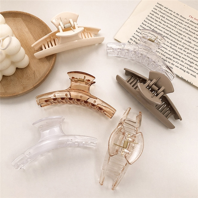 about 10cm acrylic milk tea color shark clip